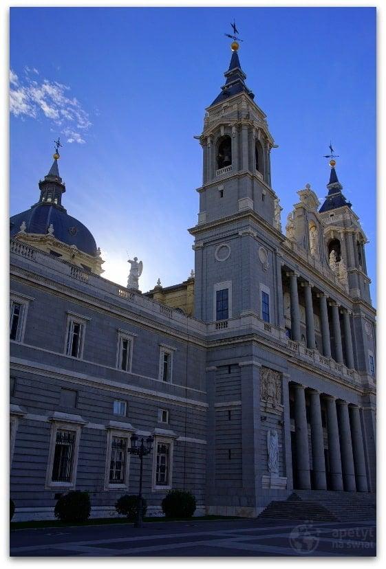Madryt, Catedral de la Almudena