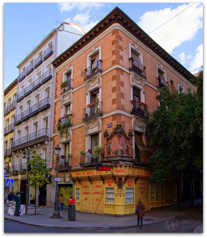 Madryt, Budynek przy Calle Mayor