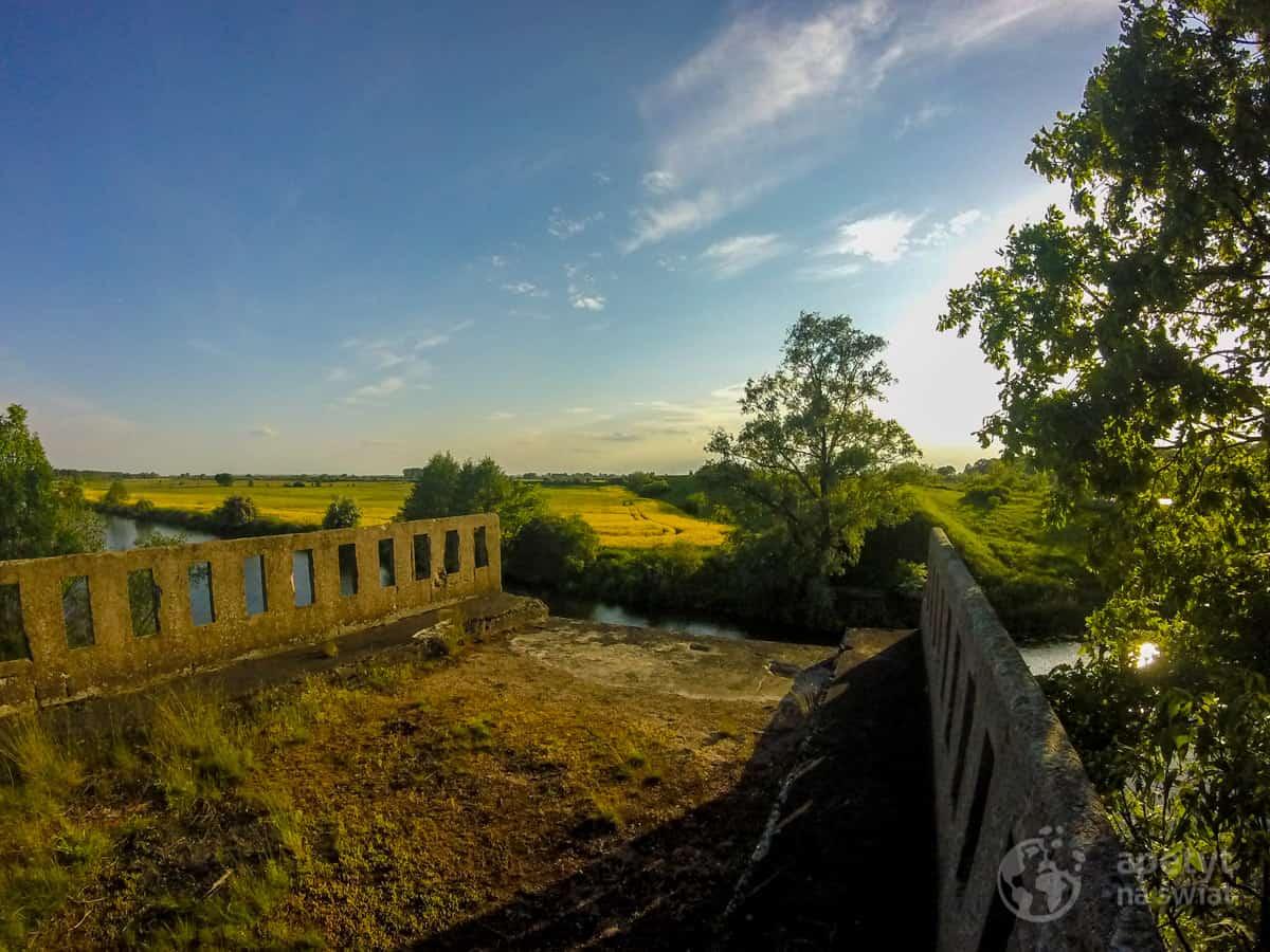 Kajakiem poNogacie - pozostałości mostu Jagow Brücke