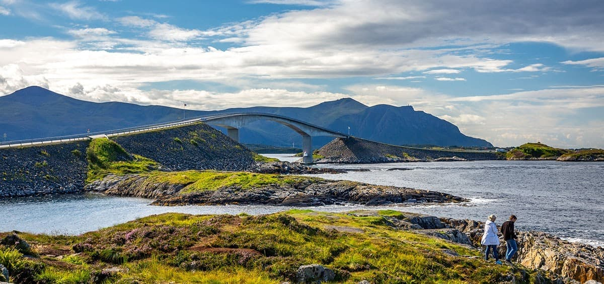 Most na Drodze Atlantyckiej w Norwegii.