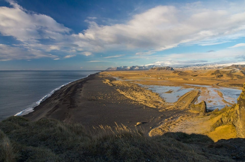 Islandia, Dyrholaey, góry i wulkany, czarna plaża