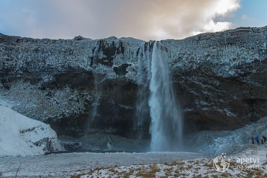 Islandia, wodospad Seljalandsfoss