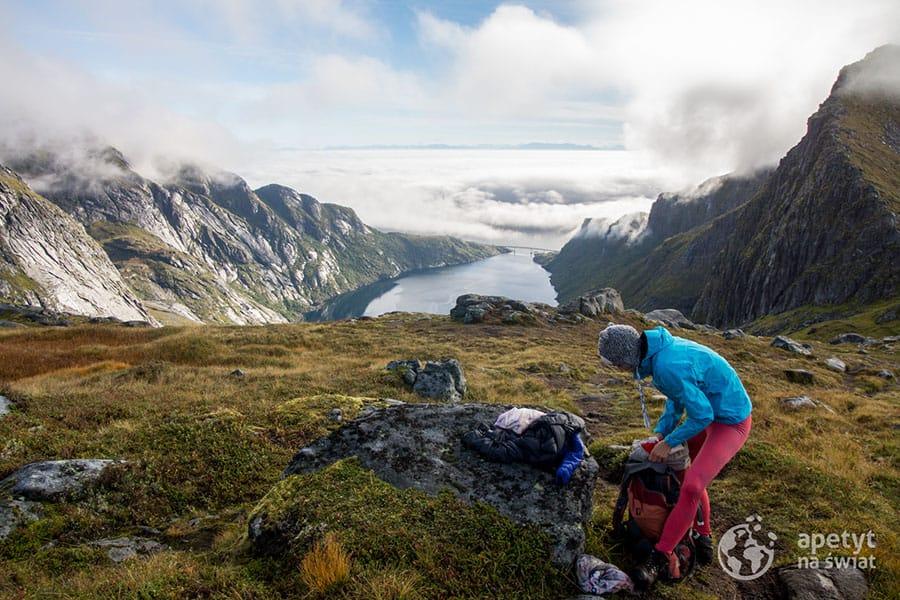 Lofoty, Moskenesoya, Norwegia na horyzoncie