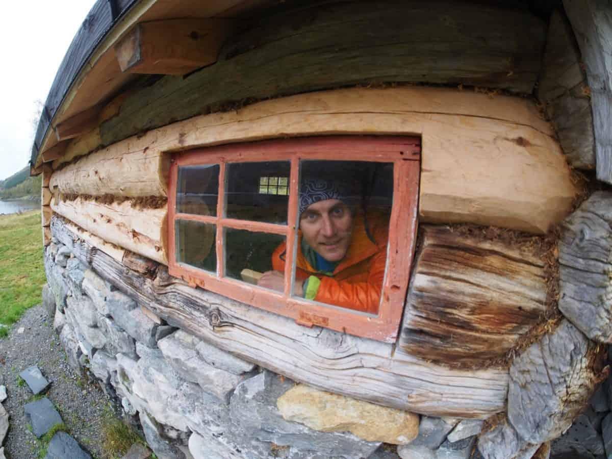 Górska chatka w dolinie Innerdalen