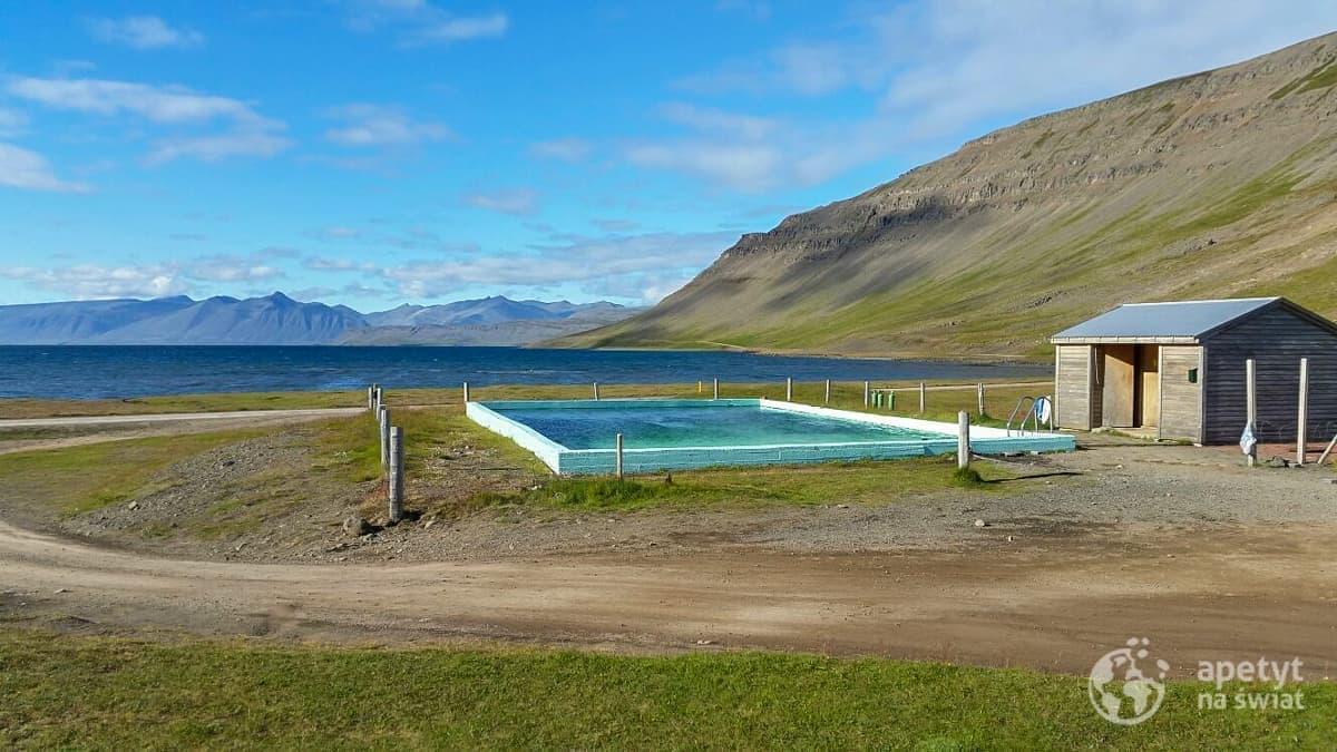 Islandia - basen geotermalny