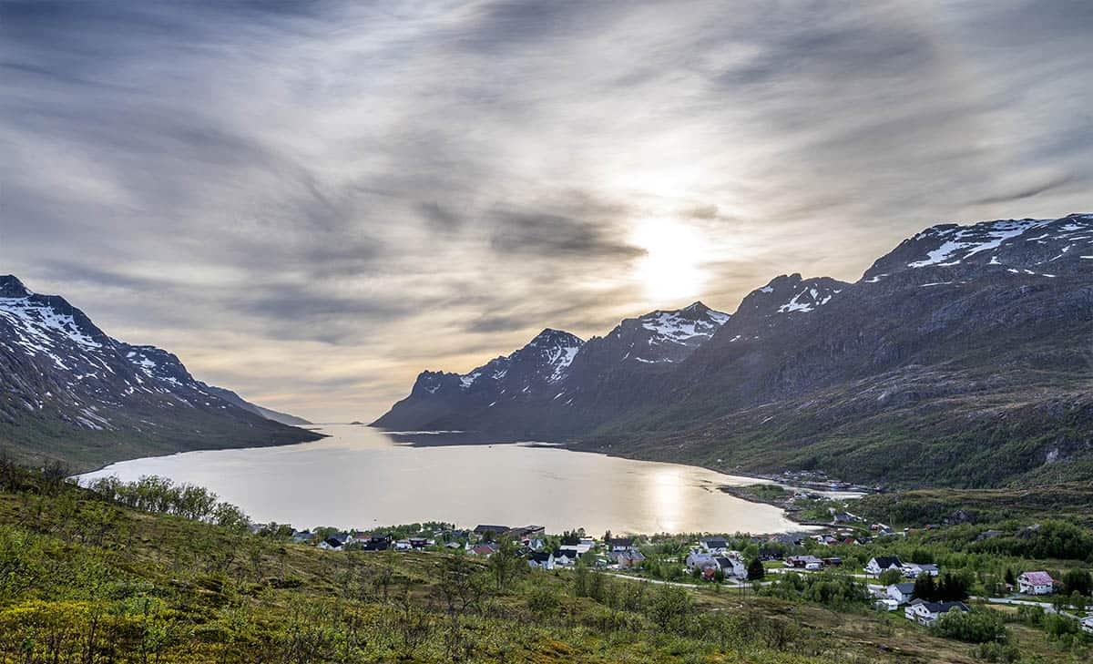 Widok z Nattmålsfjellet na Ersfjord.
