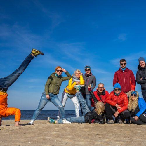 Liderzy wypraw Apetyt na Świat na plaży w Gdańsku