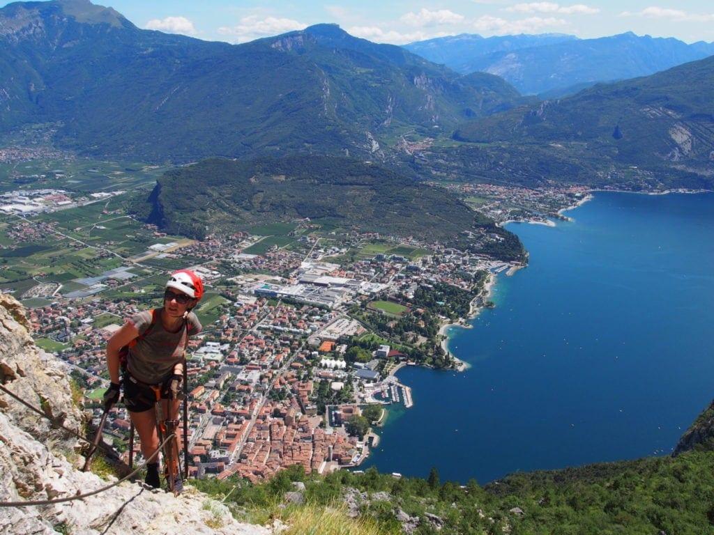 Widok z góry na jezioro Garda