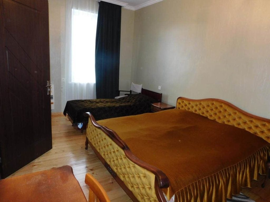 Sypialnia wgruzińskim hotelu