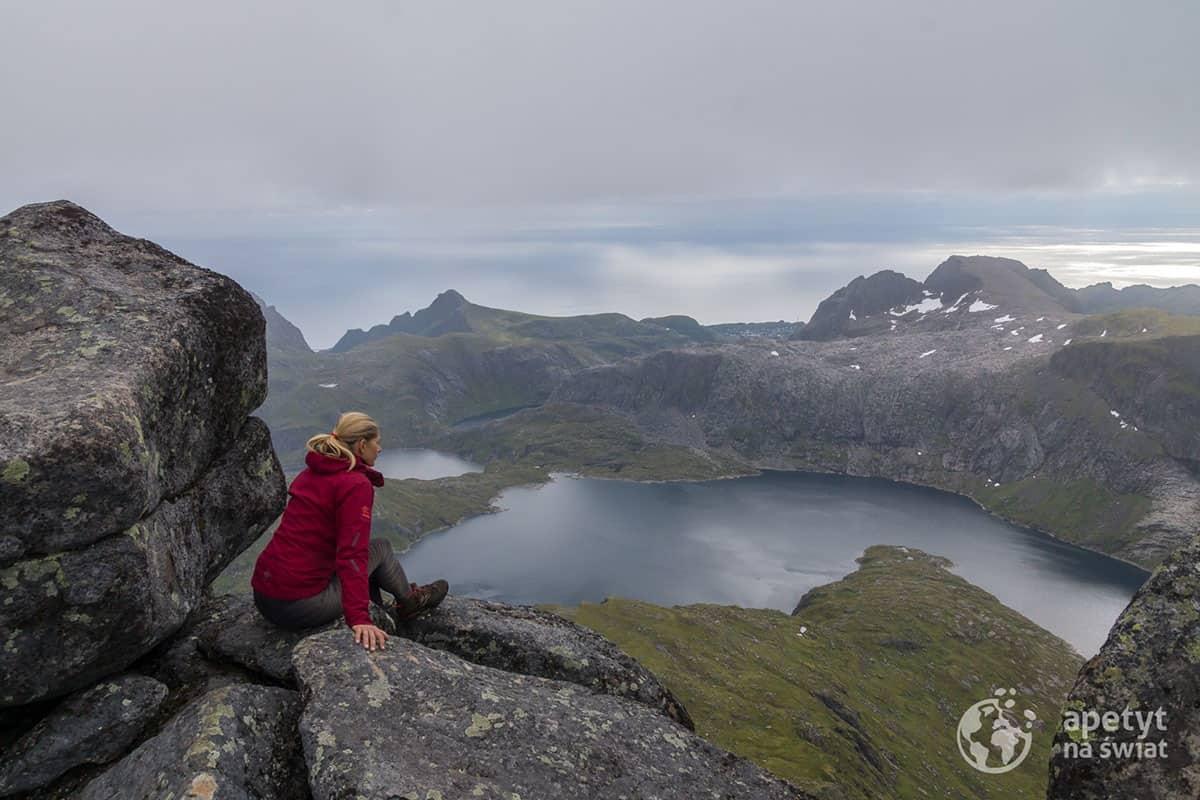 Hermannsdalstinden - na szczycie najwyższej góry Lofotów Zachodnich