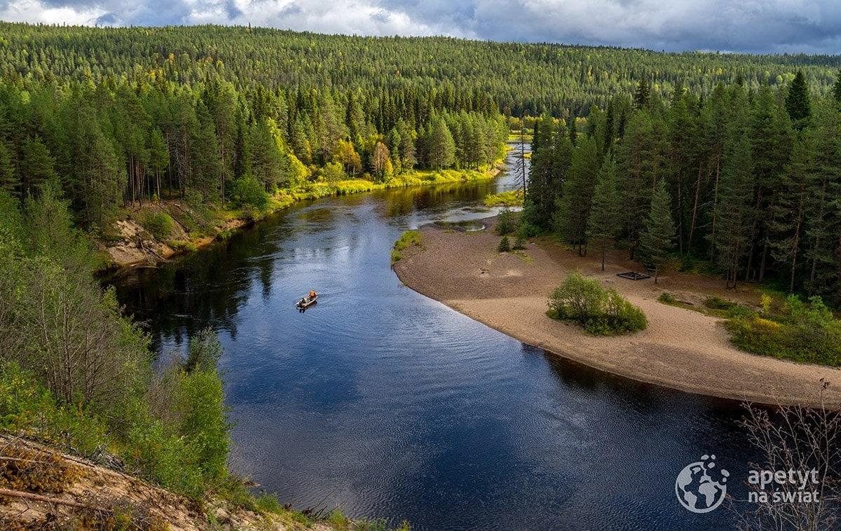 Szlak Karhunkierros, zakole rzeki wParku Narodowym Oulanka