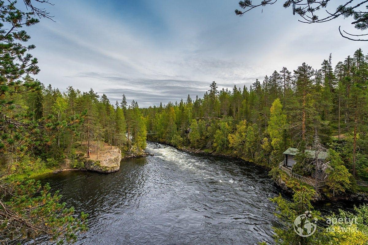 Szlak Karhunkierros, rwąca rzeka