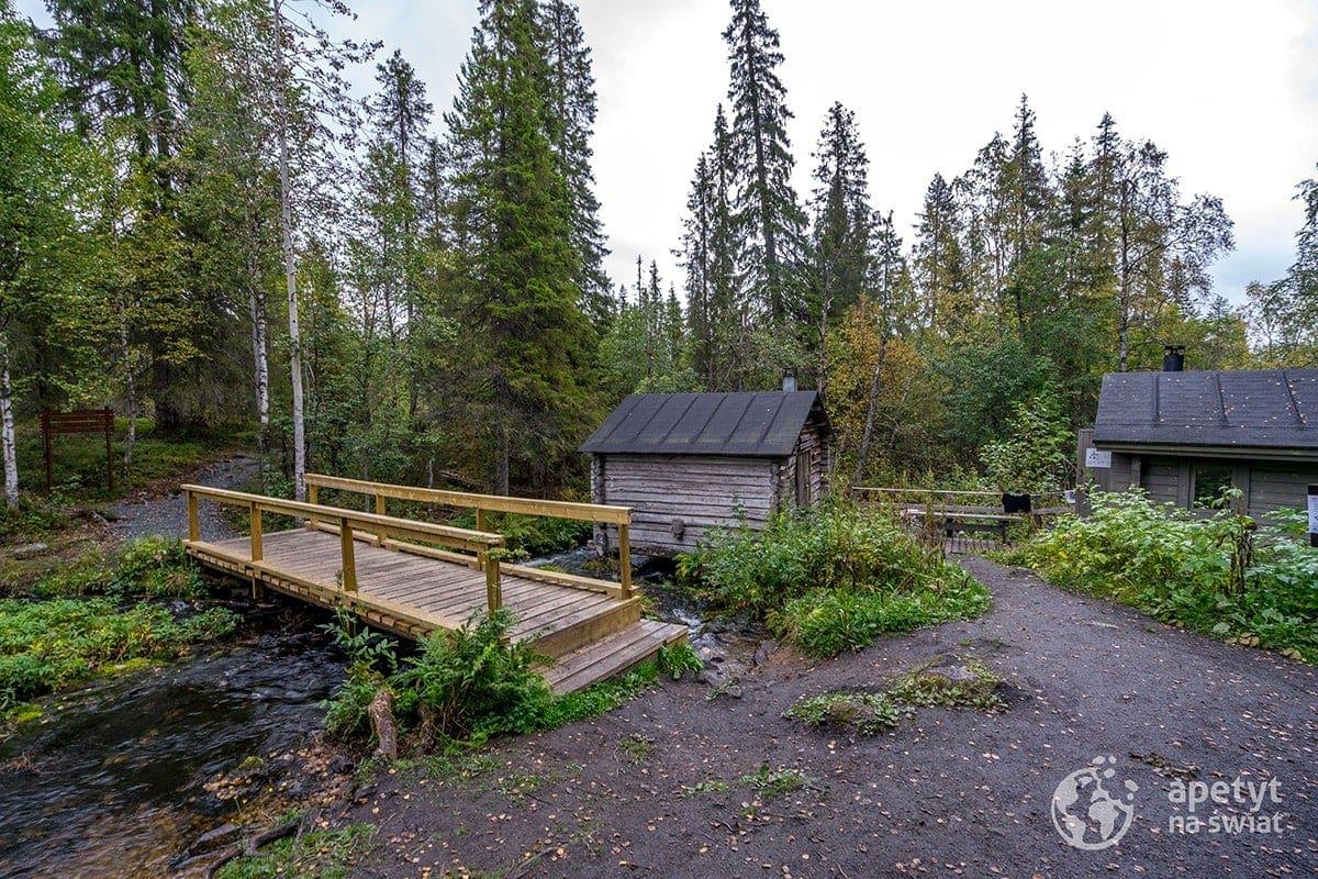 Szlak Karhunkierros, drewniany domek noclegowy