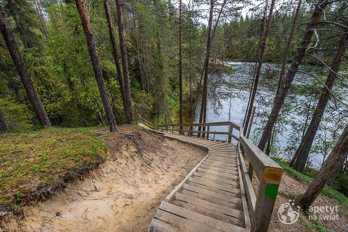 Szlak Karhunkierros, drewniane schody