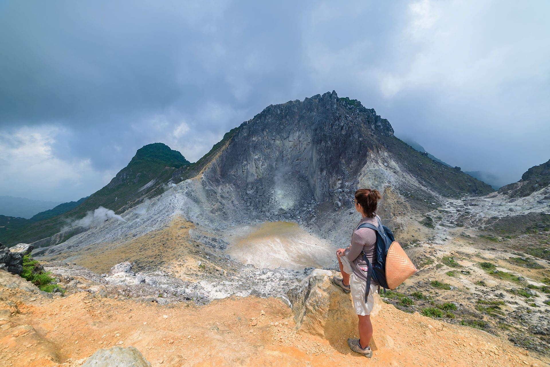 Krater wulkanu Sibayak naSumatrze