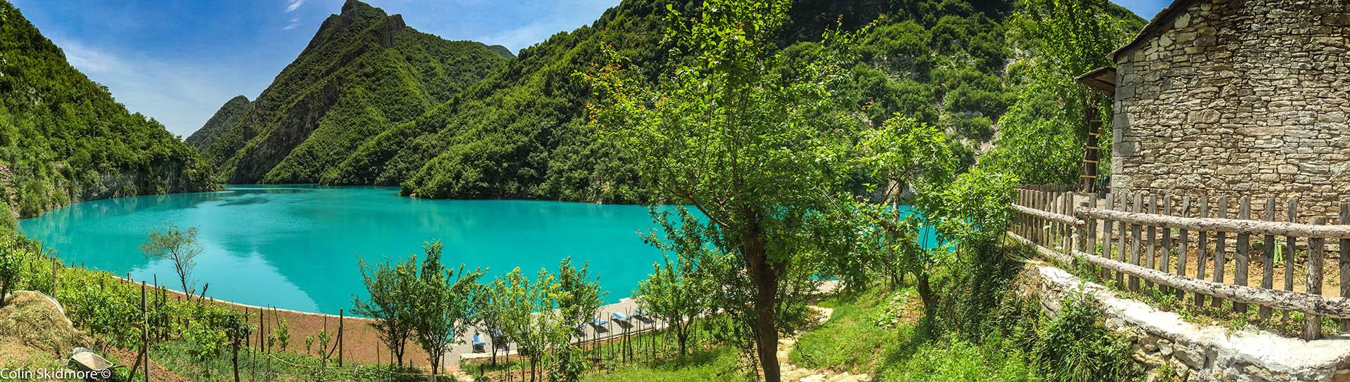Jezioro Komani wAlbanii