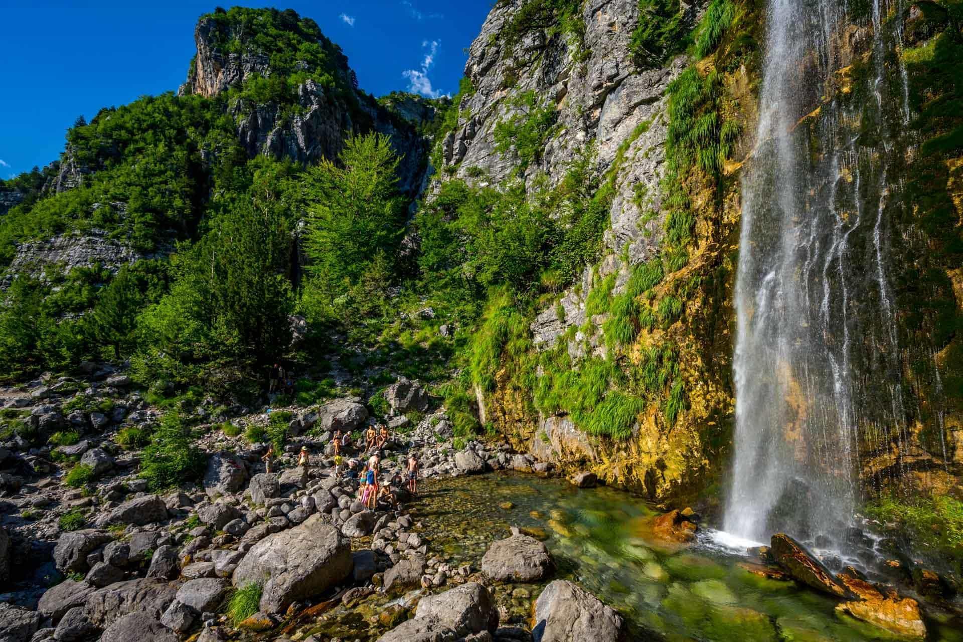 Wodospad Grunasi, Góry Przeklęte, Albania