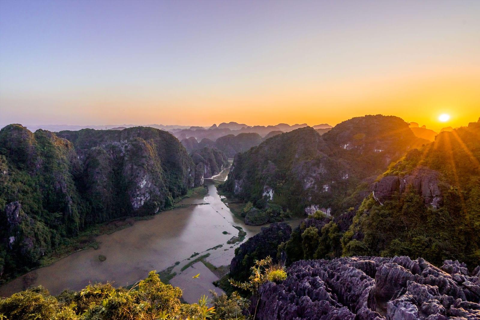 Hang Mua (Dragon Mountain) - zachód słońca, Wietnam