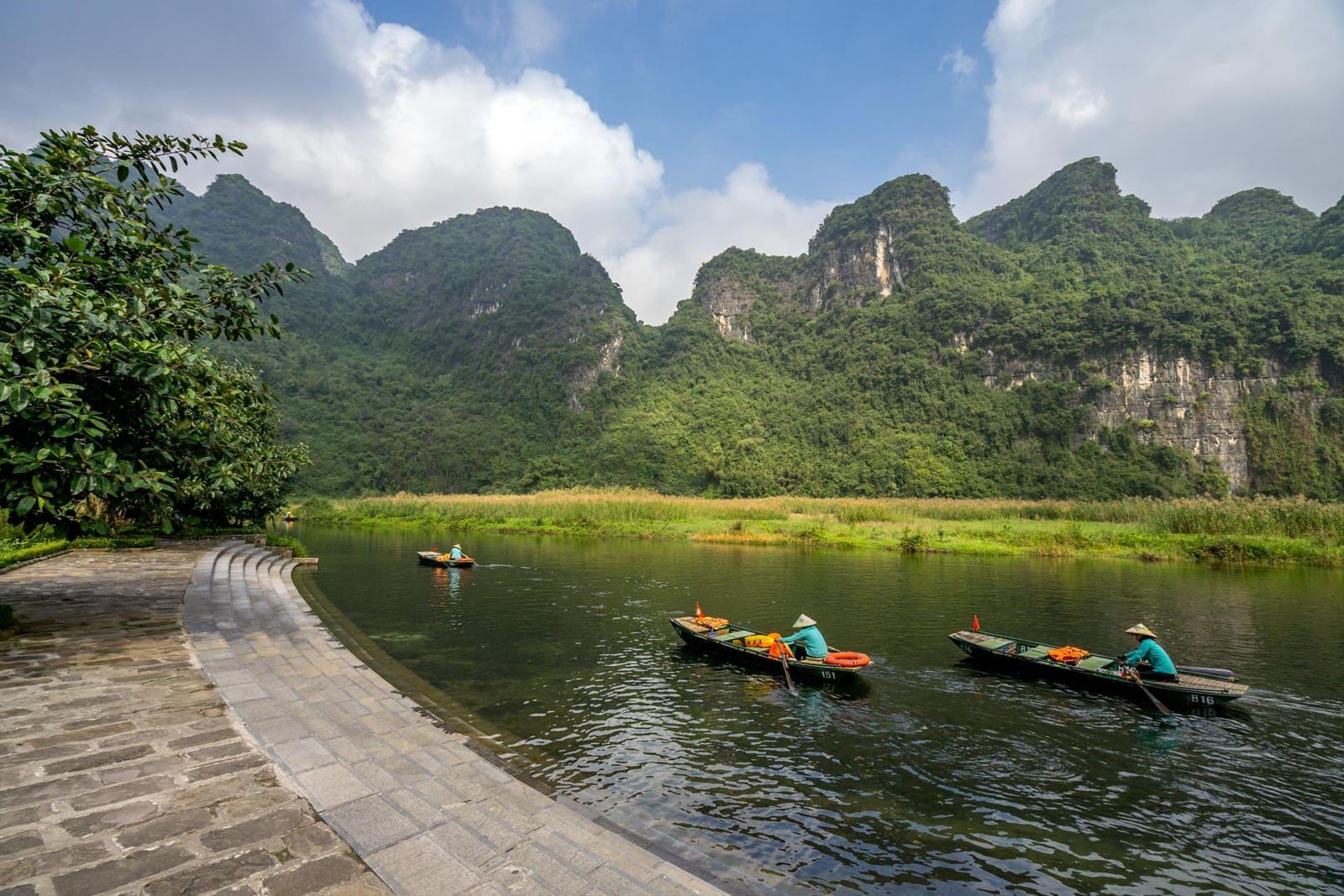 Rejs łodzią poTrang An wNinh Binh (Wietnam)