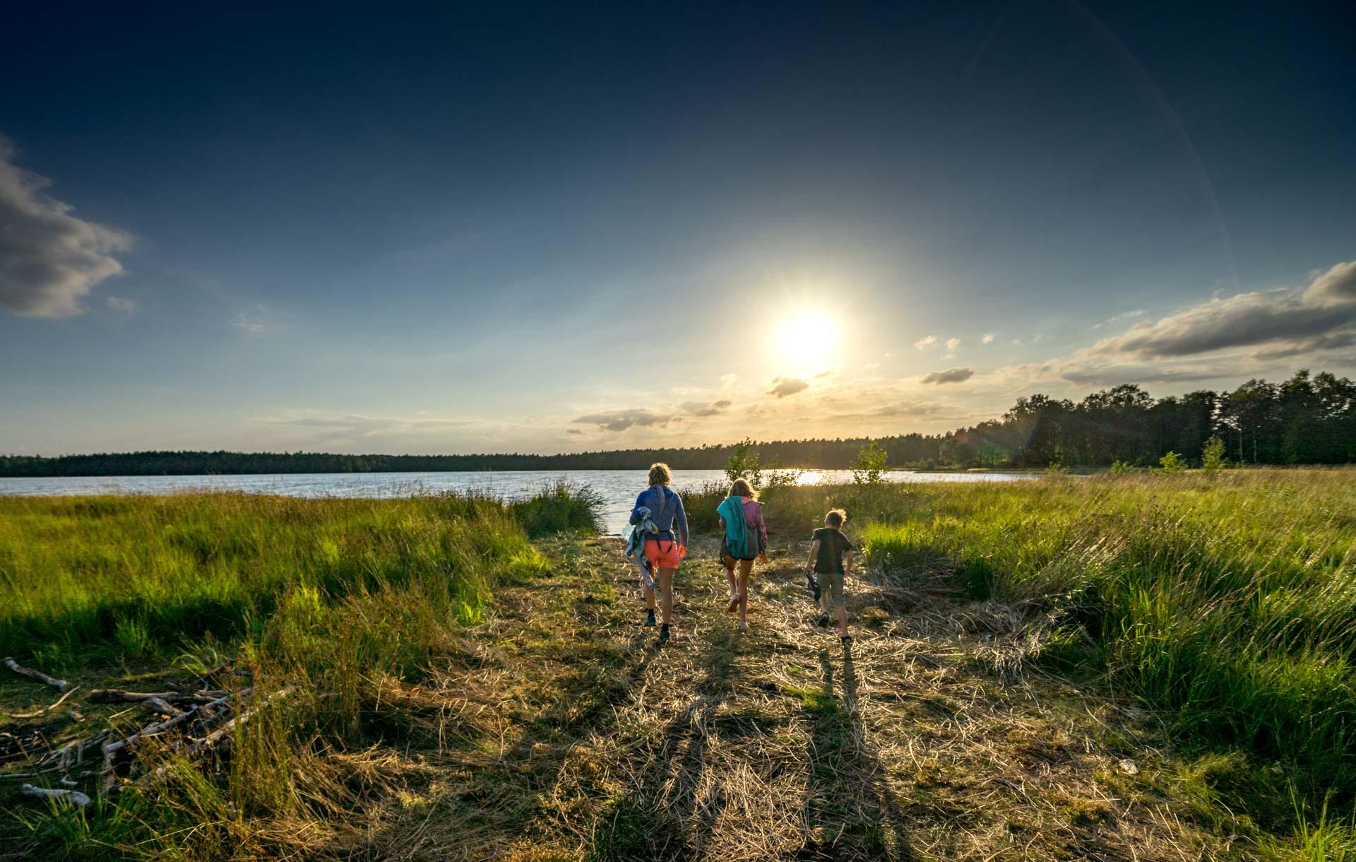 Jezioro Dąbrze, Kaszuby, zachód słońca