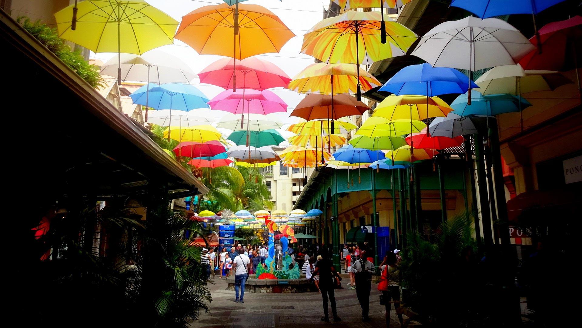 Port Louis, Mauritius, uliczka zparasolkami