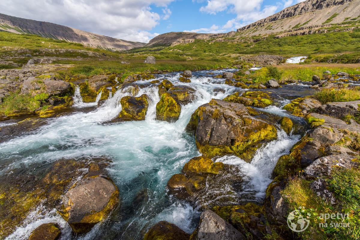 Potok naIslandii
